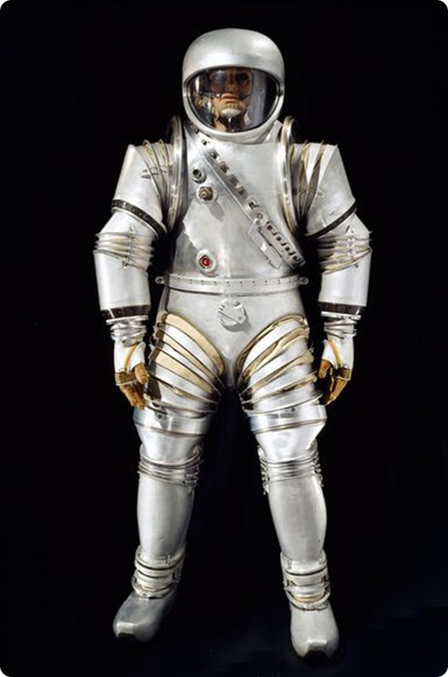astronaut farting in space suit movie - photo #19